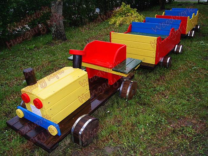 Kistraktor, kocsikkal