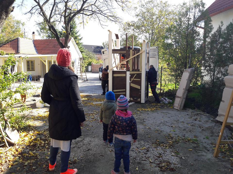 Fa játszótér telepítése